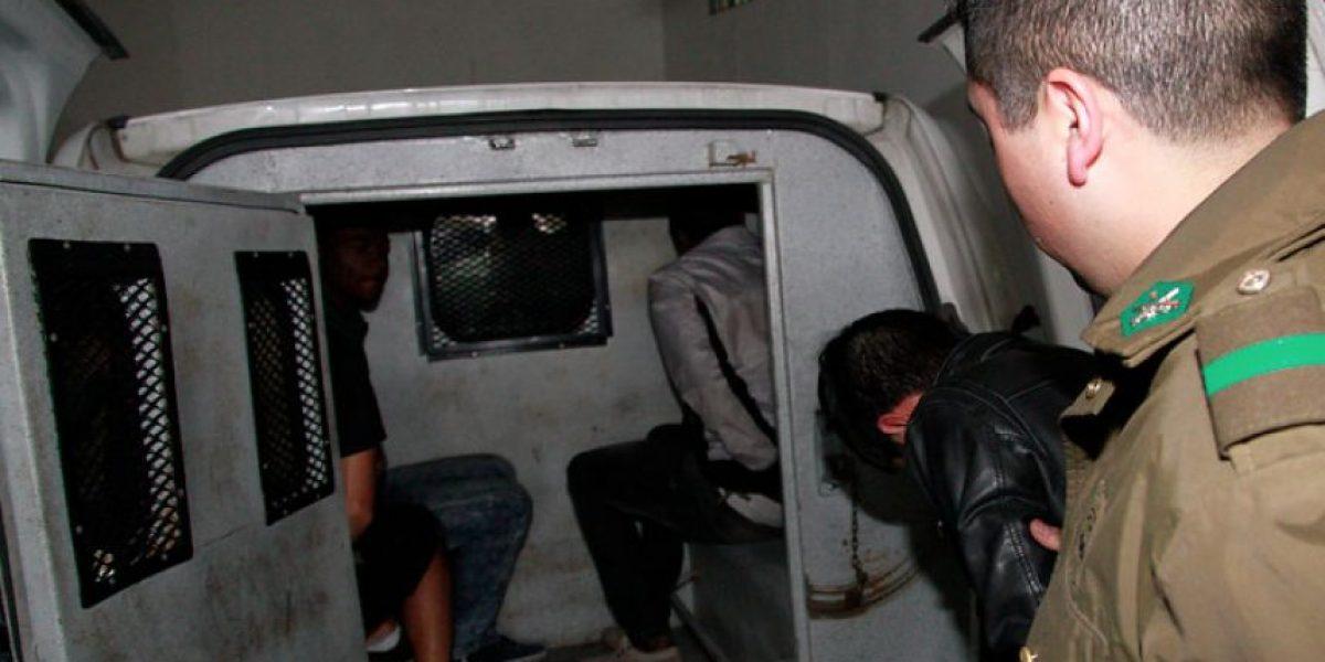 Delincuentes golpearon a embarazada mientras asaltaban un servicentro