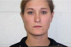 Ashley Anderson era maestra de matematicas en Iowa hasta que fue acusada de tener relaciones sexuales inapropiadas con cuatro estudiantes. Foto: Iowa Department of Public Safety. Imagen Por: