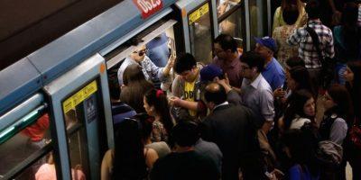 Metro reestablece servicio tras suspensión en estaciones de Línea 1