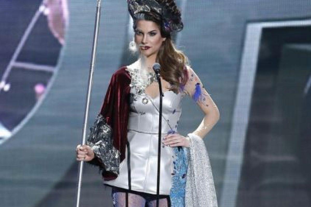 Ese sombrero perecía un poco sospechoso Foto:Miss Universo. Imagen Por: