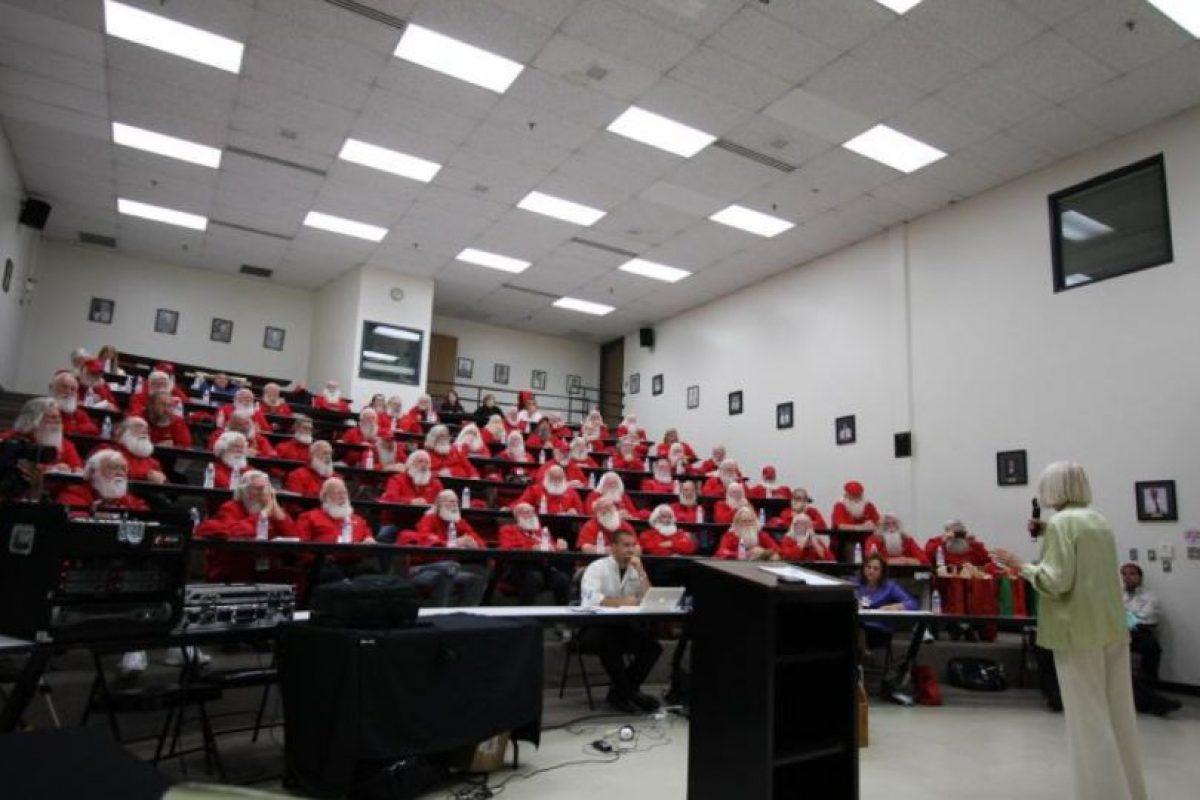 La empresa Noerr Programs Corp. comboca a todos aquellos Santas que buscan perfeccionar sus habilidades. Foto:Vía facebook.com/noerrprograms. Imagen Por:
