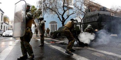Desvían el tránsito tras barricadas registradas en el centro de Santiago