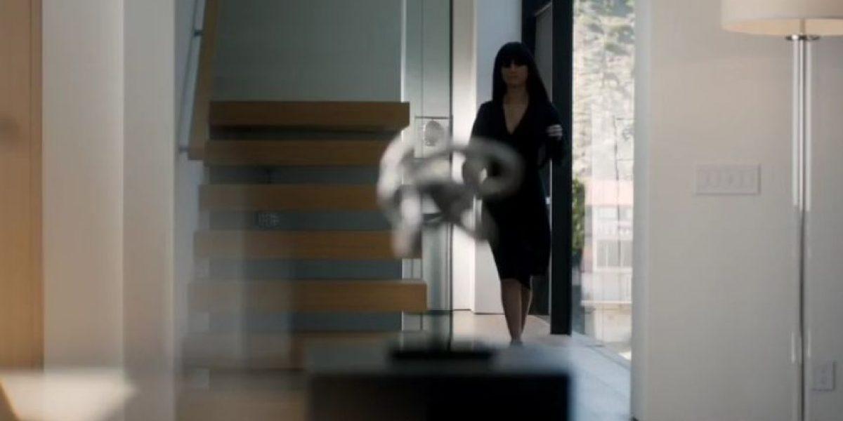 Selena Gómez aparece sin ropa en su último video
