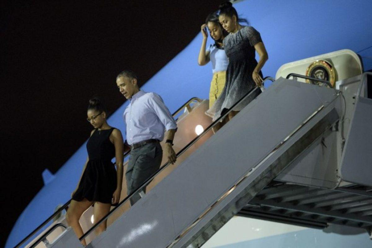 El presidente Barack Obama y su familia comenzaron sus vacaciones en Hawái desde el sábado. Foto:AFP. Imagen Por: