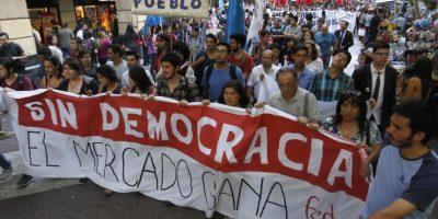 Sin incidentes graves se llevó a cabo marcha de la Confech por la gratuidad