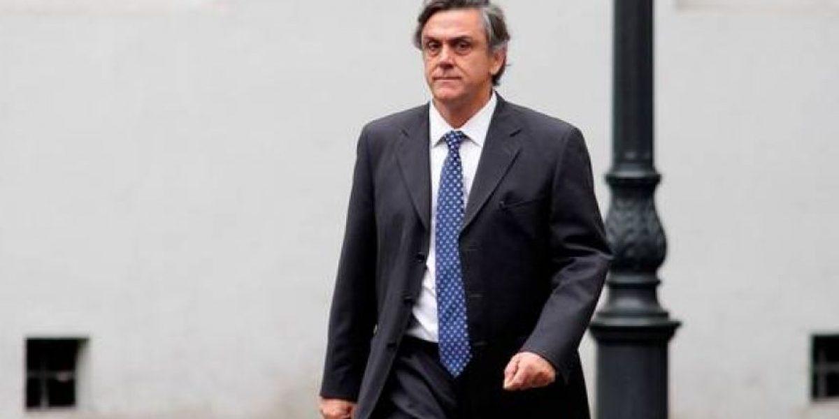 Fiscalía citará a declarar a Pablo Longueira por casos Penta y SQM