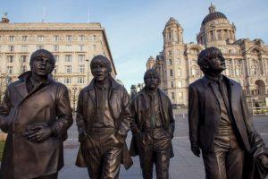 4. Lennon y McCartney se conocieron un 6 de junio de 1957 Foto:Getty Images. Imagen Por:
