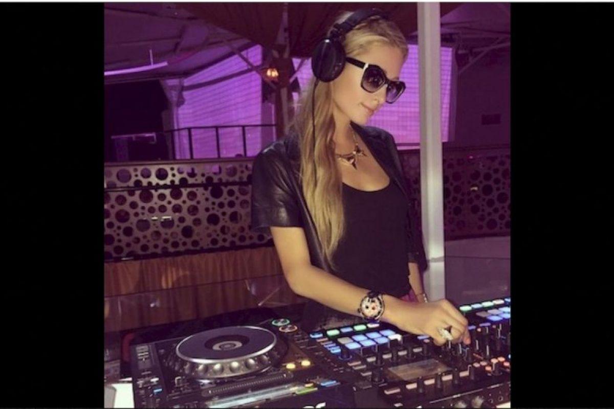 """Durante su viaje a Polonia de septiembre pasado, Paris Hilton perdió un anillo de diamantes valuado en 350 mil dólares, pero la socialité ha tenido mucha suerte y un """"buen hombre """"se lo ha regresado. Foto:Instagram.com/ParisHilton. Imagen Por:"""