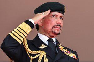 El sultán Hassanal Bolkiah, uno de los hombres más ricos del mundo, anunció el año pasado la introducción progresiva de la sharia, que incluye castigos como lapidación o amputaciones. Foto:AFP. Imagen Por: