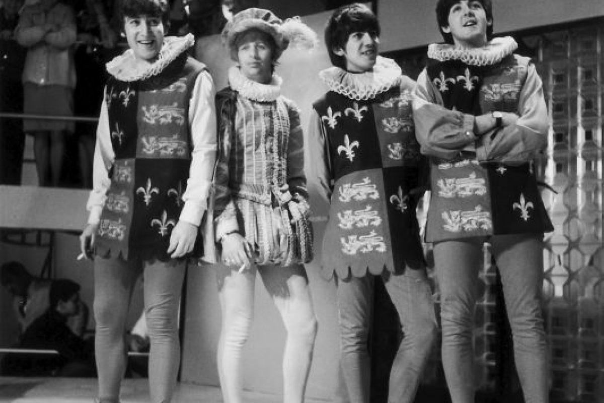 5. Según el productor George Martin, a John Lennon no le gustaba su voz Foto:Getty Images. Imagen Por: