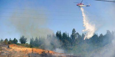 Onemi mantiene Alerta Roja por incendios forestales en dos comunas de la V Región