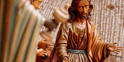 Ateos en contra del pesebre que se instaló en La Moneda