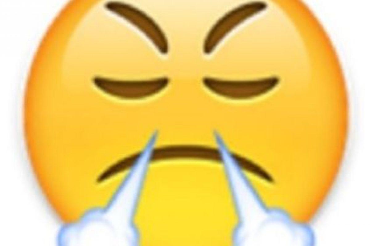 1- Utilizada comunmente para expresar enfado o frustración, en realidad es un rostro con mirada de triunfo. Foto:vía emojipedia.org. Imagen Por: