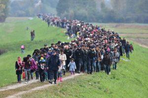 La gran mayoría ahogados en el Mar Mediterráneo, como el caso del niño Aylan Kurdi, quien fue encontrado sin vida en playas de Turquía. Foto:Getty Images. Imagen Por: