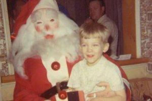 Papá Noel está poseído Foto:Awkward Family Photos. Imagen Por: