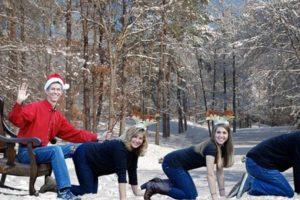 ¿Quién es el reno Rudolf? Foto:Awkward Family Photos. Imagen Por: