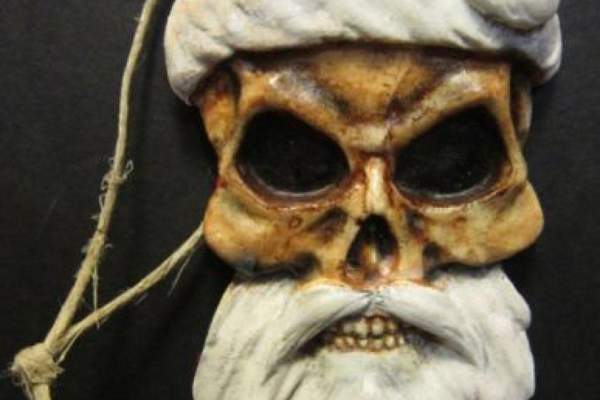 Santa está muerto niños. Y se los comerá. Foto:Etsy. Imagen Por: