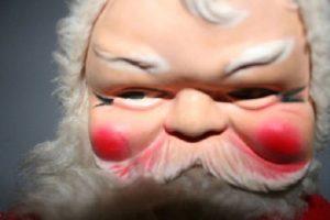 Santa, no nos mires así. Foto:Imgur. Imagen Por:
