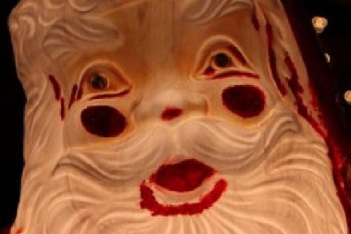Santa usó mucho maquillaje. Foto:Imgur. Imagen Por: