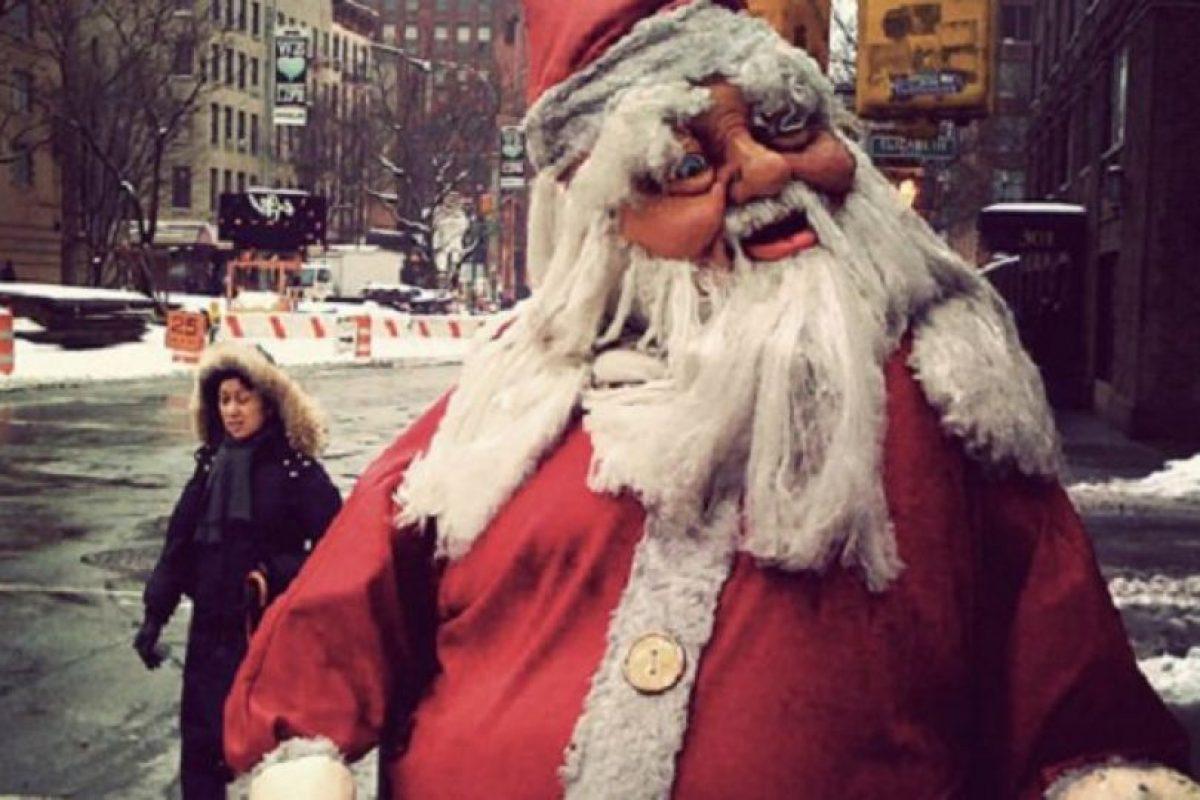 Otro Santa del infierno dispuesto a robarse su corazón. Foto:Imgur. Imagen Por: