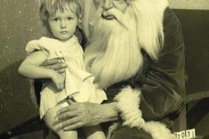 Este Papá Noe ya está muy acabado Foto:wkward Family Photos. Imagen Por: