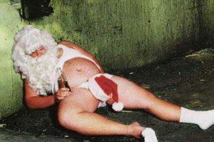 ¿Así quedará Santa al final de su jornada de trabajo anual? Foto:Tumblr.com/Tagged/santa-miedo. Imagen Por: