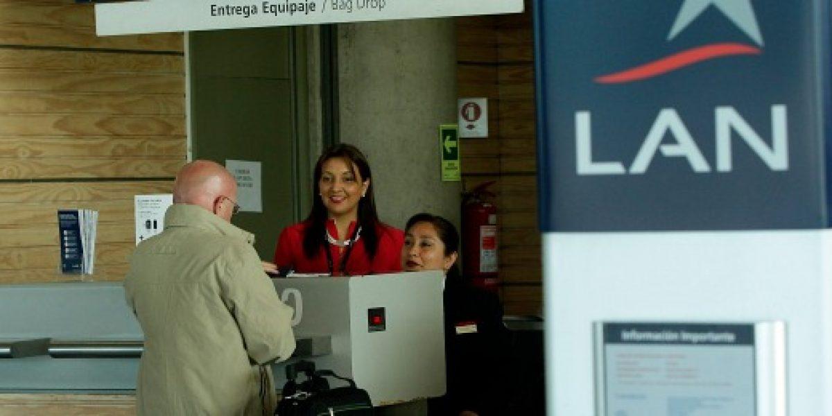 Cámara ordena a Lan anular acumulación de millas en viajes oficiales