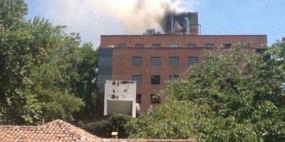 Providencia: columna de humo en edificio residencial provoca el temor de los vecinos