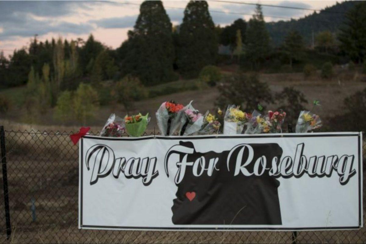 1 de octubre- 10 personas murieron en un tiroteo registrado en el colegio comunitario Umpqua, en Roseburg, Ohio. Foto:AFP. Imagen Por: