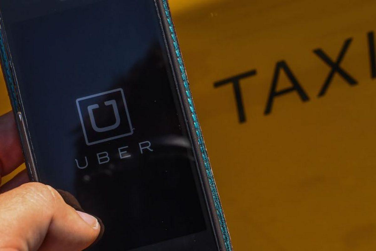 8- La tarifa de Uber se cobra de la siguiente manera: Tarifa base + minutos en el auto + kilómetros recorridos. Además, cada tipo de auto tiene una tarifa mínima y una tarifa de cancelación. Foto:Getty Images. Imagen Por: