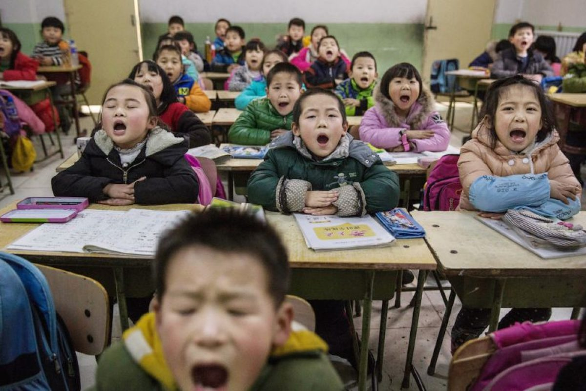 """""""Ante el incumplimiento, el Estado Chino impuso sanciones como multas y en muchos casos se ha llegado a obligar a las mujeres a abortar su segundo hijo a semanas de embarazo e, incluso, a semanas de dar a luz. La zona más castigada por la aplicación de esta ley es Guanxi, provincia al sur de China"""", informó la investigadora Ya Wen Teh, en el artículo científico """"La aplicación de la política del hijo único en China y la responsabilidad ante la Comunidad Internacional"""". Foto:Getty Images. Imagen Por:"""