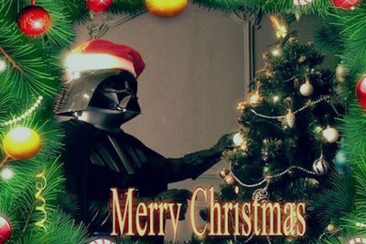 Y mostrar el espíritu navideño del Lado Oscuro Foto:Instagram.com. Imagen Por: