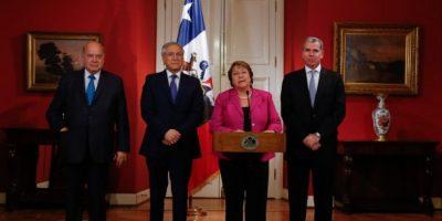 Insulza viajará a París a reunirse con equipo chileno por demanda boliviana ante La Haya
