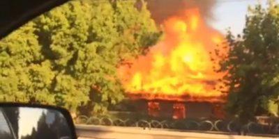 Incendio en colegio de Colina moviliza a equipos de emergencia
