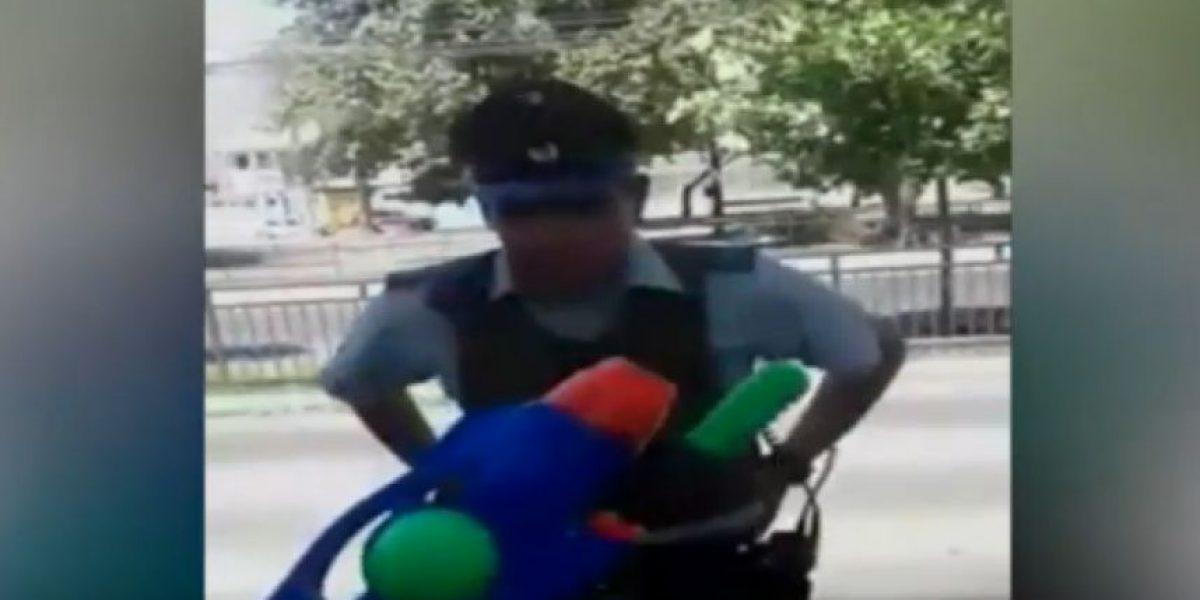 Arrestan a hombre y a su hijo de 6 años tras