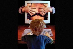 8. No los juzguen, propongan temas de reflexión que le permitan a sus hijos tomar una posición respecto al tema, recuerden que los padres abren caminos, pero la decisión de cuál tomar se encuentra en manos de sus hijos. Foto:Tumblr.com/Tagged/porno-adolescentes. Imagen Por: