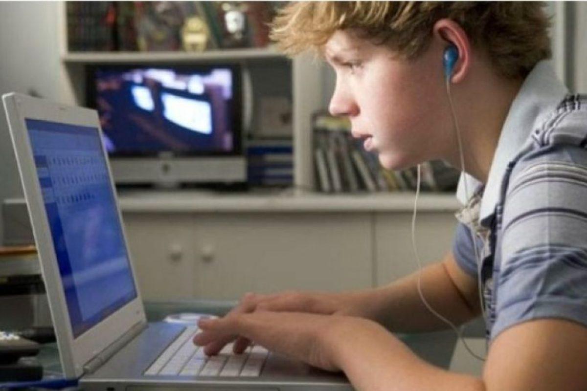 6. Abran espacios espontáneos donde el adolescente pueda expresar su percepción sobre el tema. Por ejemplo al ver una película, serie de tv donde halla escenas subidas de tono. Den a conocer su opinión acerca de lo visto o lo escuchado, invitando a los espectadores a expresarse respecto al tema. Foto:Tumblr.com/Tagged/porno-adolescentes. Imagen Por: