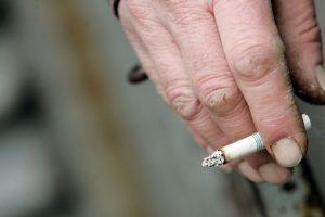 Con el propósito de disminuir el número de consumidores de tabaco y reducir las enfermedades y muertes que se registran cada año a consecuencia del cigarrillo, múltiples países han impuesto restricciones para fumar. Foto:Getty Images. Imagen Por: