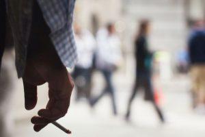 """Desde 2011 funciona en el país una ley que prohíbe fumar en espacios públicos cerrados. Según """"El Clarín"""", actualmente la municipalidad de Tigre prohíbe fumar también en espacios abiertos de dependencias municipales Foto:Getty Images. Imagen Por:"""