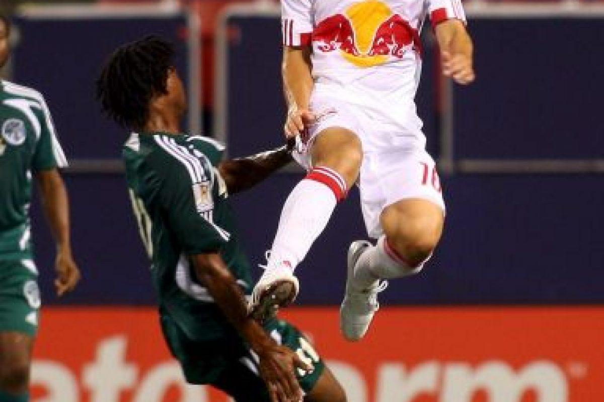 Fue defensa de la Selección Nacional de El Salvador y jugó con el Club Deportivo FAS y los New York Red Bulls, en la MLS Foto:Getty Images. Imagen Por: