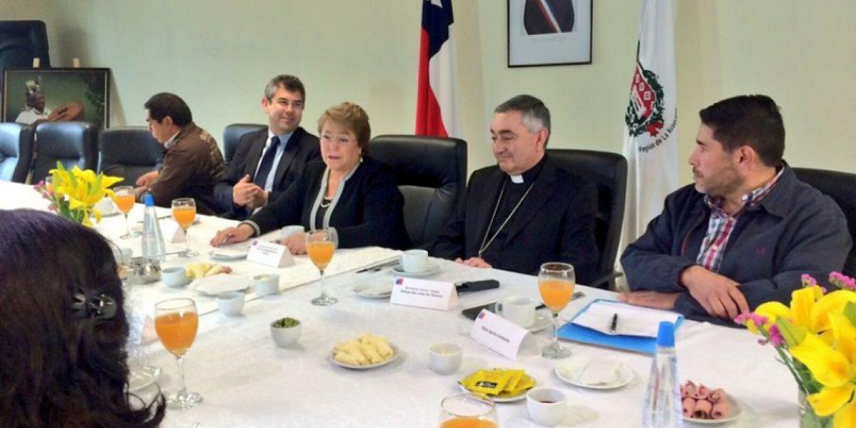 Bachelet se reúne con hijos del matrimonio Luchsinger-Mackay en La Araucanía
