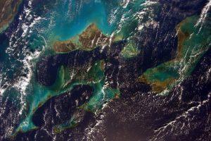 Antes de su regreso a la Tierra, la astronauta Sam Cristoforetti compartió una foto del Caribe. Foto:Vía Twitter @AstroSamantha. Imagen Por: