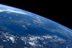 Así se ve la noche desde el espacio. Foto:Vía Twitter @AstroSamantha. Imagen Por: