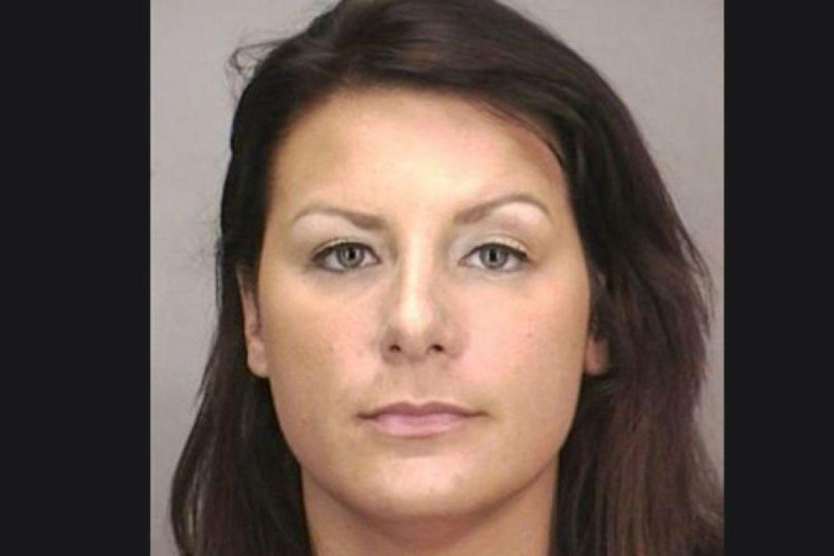 Tara Driscoll fue arrestada por tener relaciones sexuales con un estudiante menor de edad en un motel de Nueva York. Foto:Nassau County Police Department. Imagen Por: