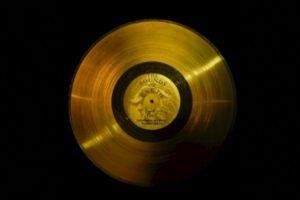 2. El disco de oro de las Voyager. Foto:Wikimedia.org. Imagen Por: