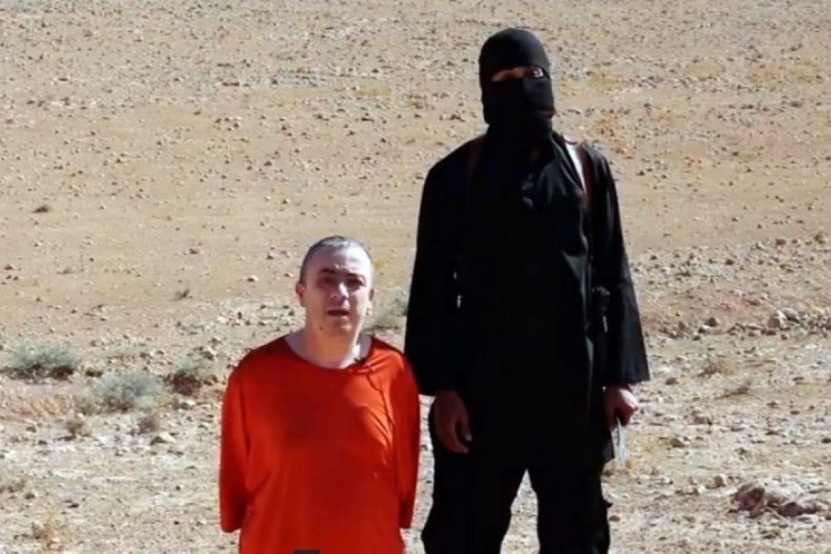 Constituyen un 90% de la mayoría de los islámicos. Han podido adaptarse a una variedad de culturas mientras siguen sus tres fuentes de ley: el Corán, la Hadith y los consensos musulmanes. Ellos no consideran que el sucesor de Mahoma deba de ser de su linaje directo. Foto:AFP. Imagen Por: