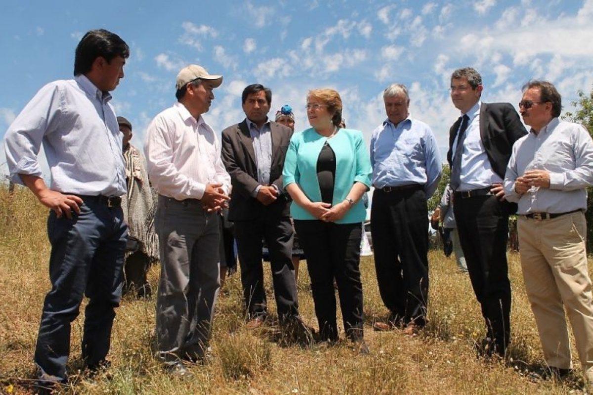 La Presidenta Bachelet en su viaje de hoy a la Región de La Araucanía. Foto:Agencia UNO / Archivo. Imagen Por: