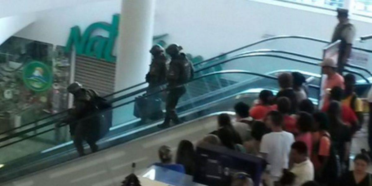 Evacúan mall Plaza Alameda tras hallazgo de objeto sospechoso