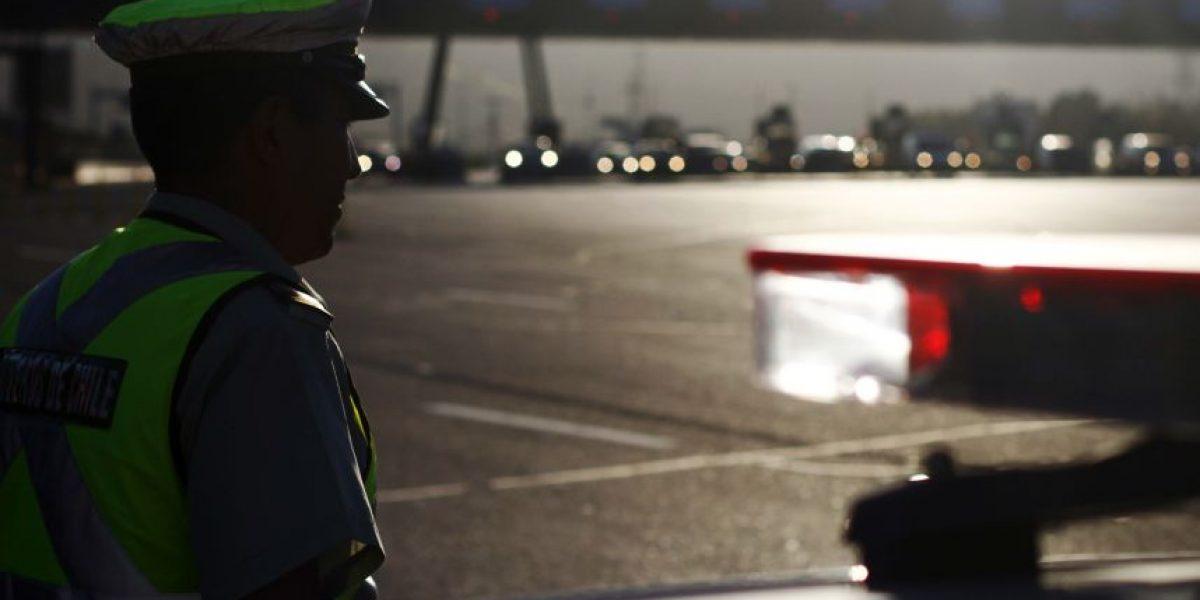 Calculan que 365.000 vehículos saldrán de Santiago: disponen medidas de contingencia