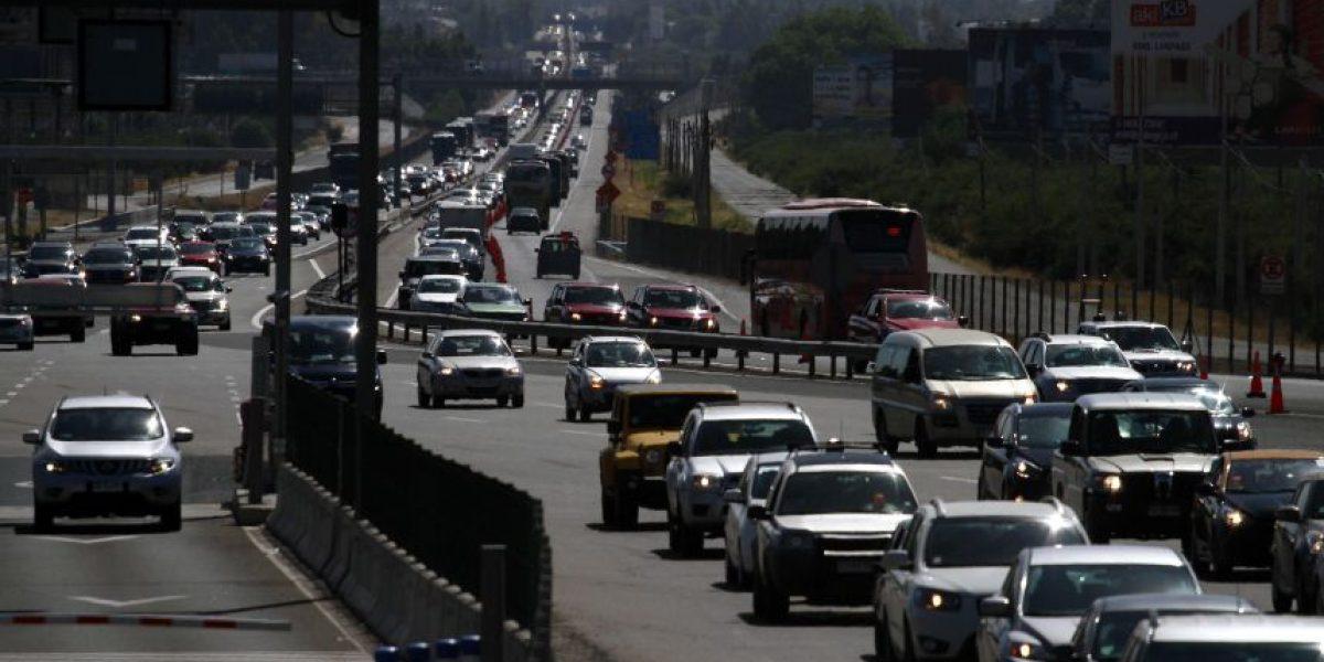 Masiva salida de santiaguinos por Año Nuevo: comienza sistema 4x0 en congestionada Ruta 68